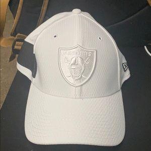 Oakland raiders hat